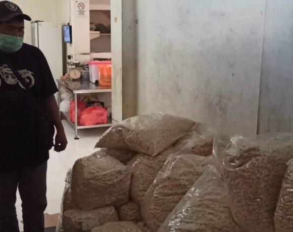 Meski tak Produksi, Kacang Kapri Tari Bali Meman tetap berikan THR kepada Pekerja