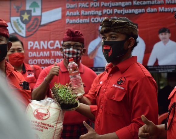 Gotong Royong Lawan Covid-19, PDI Perjuangan Kecamatan Marga Gelontor 3 Ton Beras Untuk Masyarakat