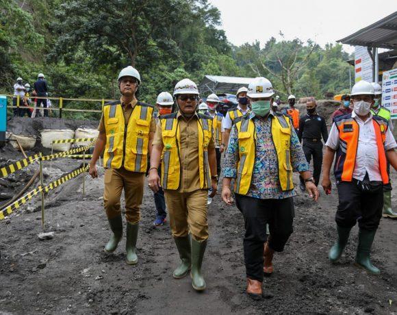 Bupati Giri Prasta Tinjau Pembangunan Bendungan Sidan Akan Menjadi Sumber Air Baku Bagi 5 Kabupaten/Kota di Bali