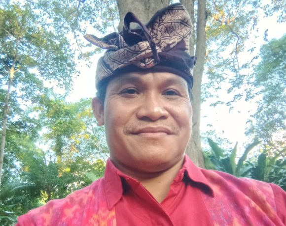 Ketua Kelompok Tenun Putri Mas Negara, I ketut Wiadnyana