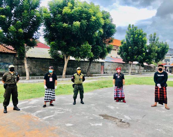 GTPP Covid-19 Kota Denpasar Berikan Sosialisasi dan Edukasi Kepada Masyarakat dan Anak-Anak Desa Tegal Harum