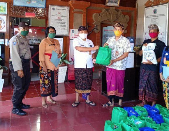 Kelurahan Sumerta Berikan Sembako Kepada 18 Keluarga Yang Melaksanakan Karantina Mandiri