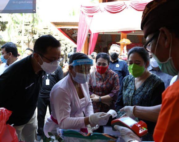Ketua DPR RI Puan Maharani Serahkan BST, BSB dan Sembako di Abiansemal-kabarbalihits