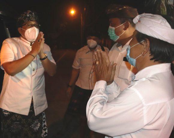 Bupati Giri Prasta Dukung Karya Nyekah Masal Desa Adat Punggul