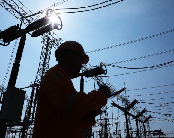 Dukung Masyarakat Tetap Produktif, PLN Jaga Pasokan Listrik Selama PPKM