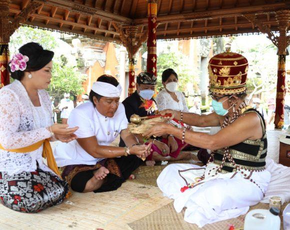 Serangkaian Pelantikan Bupati dan Wakil Bupati Badung Periode Kedua, Pasangan Giri Prasta dan Suiasa Ikuti Upacara Mejaya-Jaya