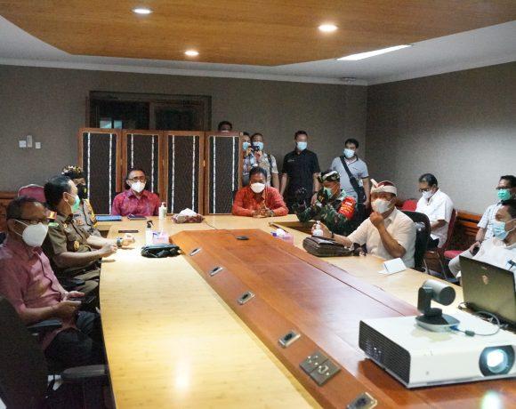 Dipimpin Menko Kemaritiman, Jaya Negara Bersama Forkopimda Denpasar Ikuti Rakor Penegakan Disiplin Protokol Kesehatan dan Penanganan Covid-19 Via Video Conference