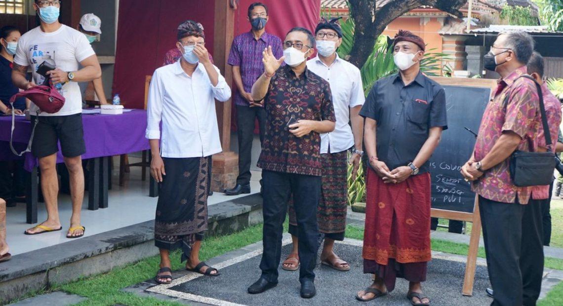 Di Tinjau Langsung Walikota Jaya Negara dan Wawali Arya Wibawa, 35 Ribu Warga dan Pekerja Pariwisata Sanur Mulai di Vaksin