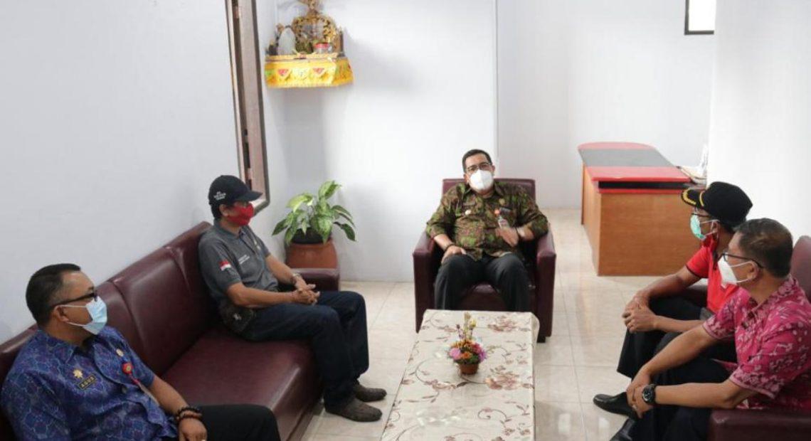 """""""Ngantor Didesa"""" Perdana Bupati Tabanan, Sanjaya Awali di Desa Dauh Peken-kabarbalihits"""