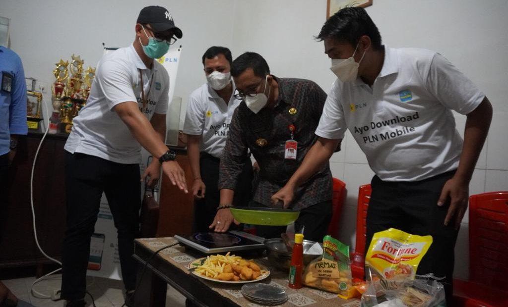 PLN Ajak Masyarakat Tabanan Beralih ke Kompor Induksi