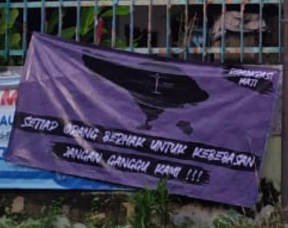 Sepanduk Provokatif Resahkan Warga Denpasar