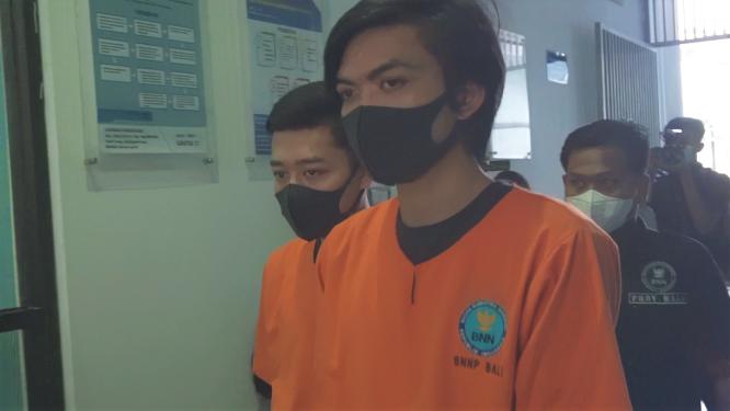 Dua Pemesan Tembakau Gorila Dari Tabanan, Diringkus BNNP Bali