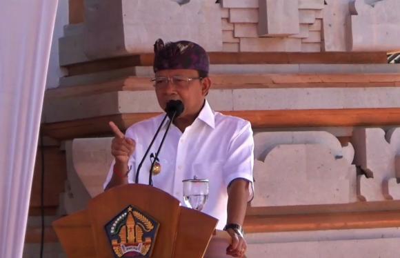 """Dukung SKB MDA dan PHDI, Gubernur Koster : """"Apapun Akan Saya Hadapi"""""""