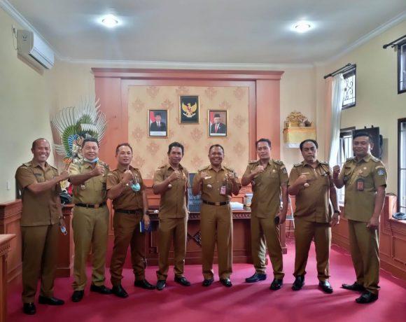5 Desa di Kecamatan Petang Berhak Atas Reward Sertifikat Utama dari Menteri Desa