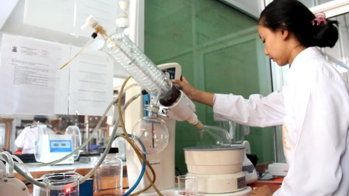 Lulusan Fakultas Farmasi Unmas Denpasar Terserap 100%, Kini Penerimaan Mahasiswa Baru Dibuka Kembali-kabarbalihits