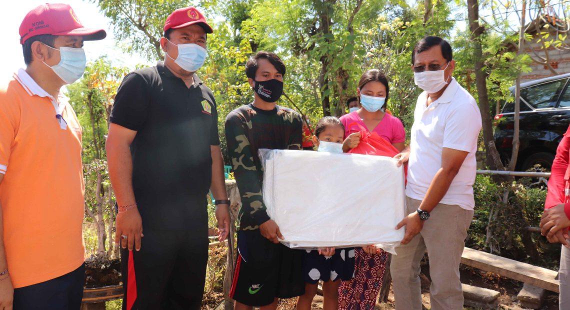 Sambangi Korban Kebakaran, Wabup Sutjidra Himbau Masyarakat lebih Waspada