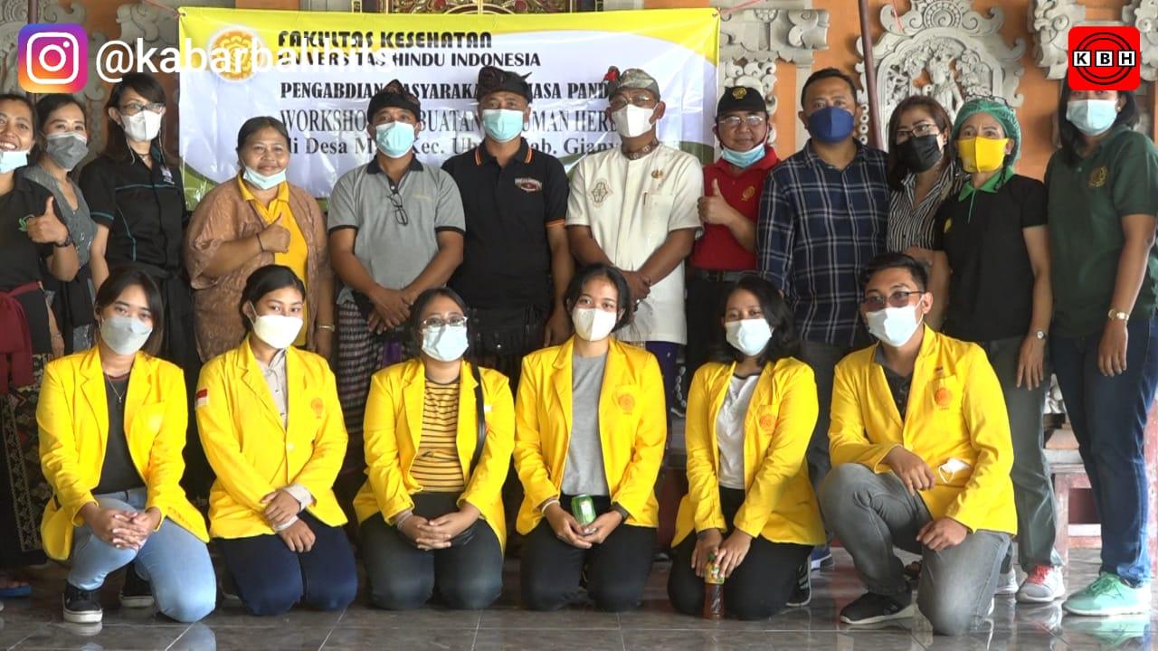 Kedai Amarthya Bersama Fakultas Kesehatan Unhi Edukasi Masyarakat Pembuatan Jamu Herbal