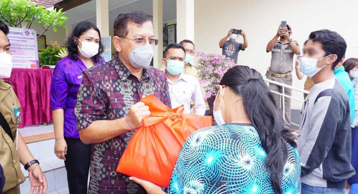 Jaga Imunitas ODHA Wabup Sutjidra Ingatkan Penderita HIV/AIDS Rutin Minum Obat